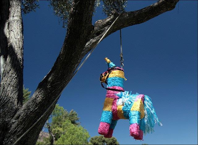 horse-pinata